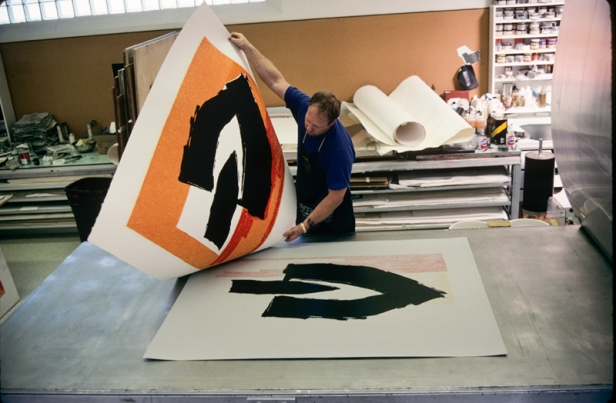 John Hutcheson lifting Robert Motherwell's 'Black cathedral' from offset lithography press, Tyler Graphics Ltd., Mount Kisco, New York, 1990