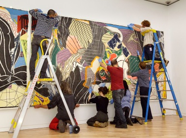 It's all hands on deck to install 'The fountain.'